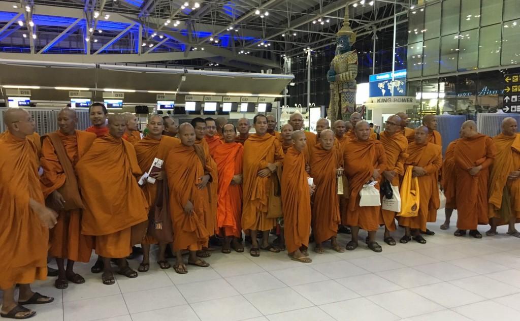 590717 ภาพผอแสงเฮืองส่งพระธรรมทูตไปอินเดียณสุวรรณภูมิ4