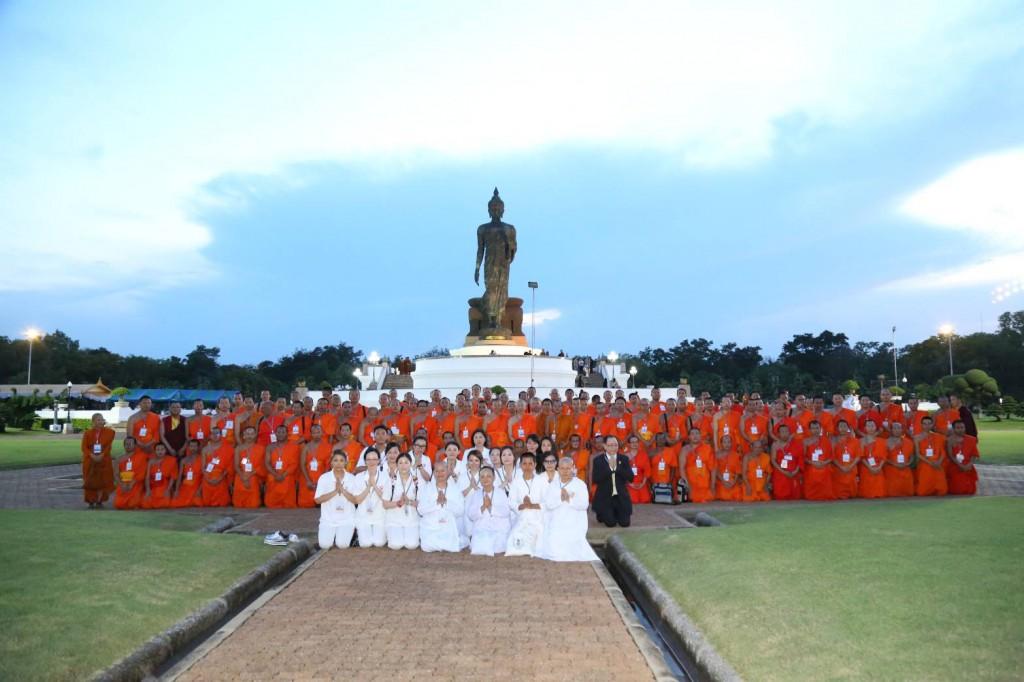 600508 พระพรหมบัณฑิต ผู้นำชาวพุทธ พระธรรมทูต เวียนเทียนวันวิสาข8