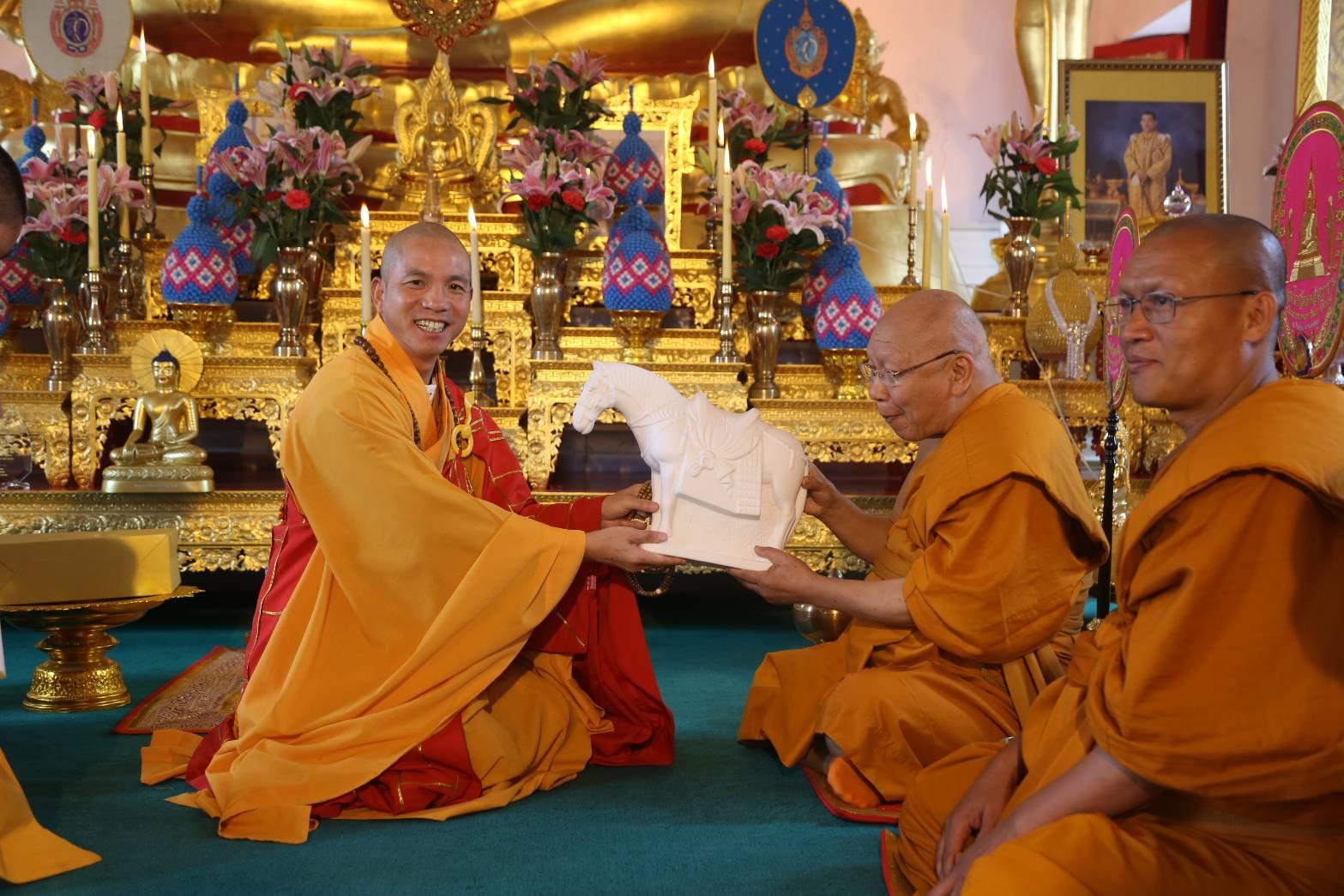 610924-27 พระพรหมวชิรญาณประธานพิธีสมโภชวัดเหมอัศวาราม จีน 4