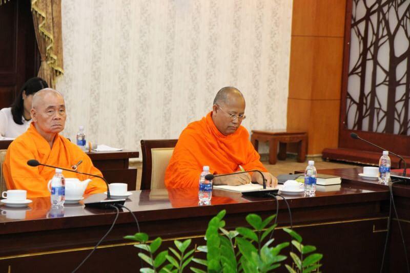 611003 รอง ฯ กต สานสัมพันธ์ พระพุทธศาสนาไทยเวียดนาม 12