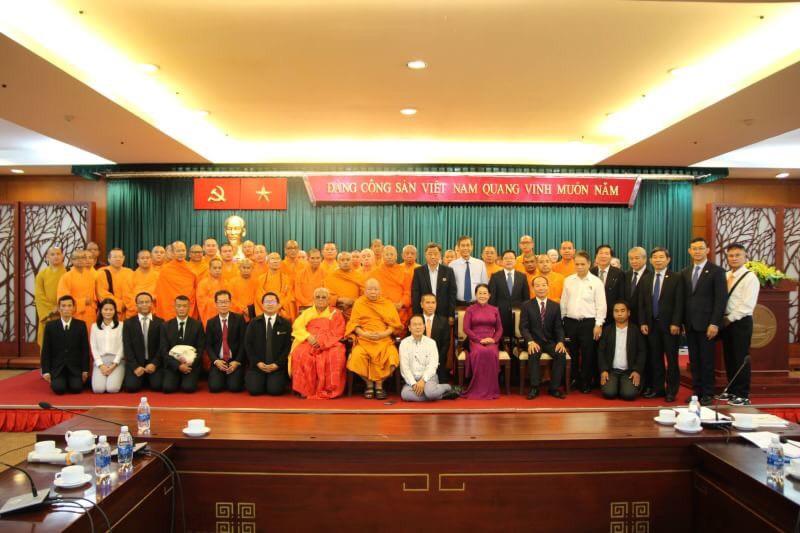 611003 รอง ฯ กต สานสัมพันธ์ พระพุทธศาสนาไทยเวียดนาม 18