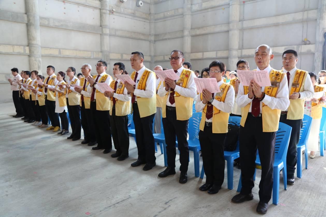 611106 รอง กต ร่วมพิธีอัญเชิญพระประธาน วัดโฝวกวงซัน คู้บอน 9