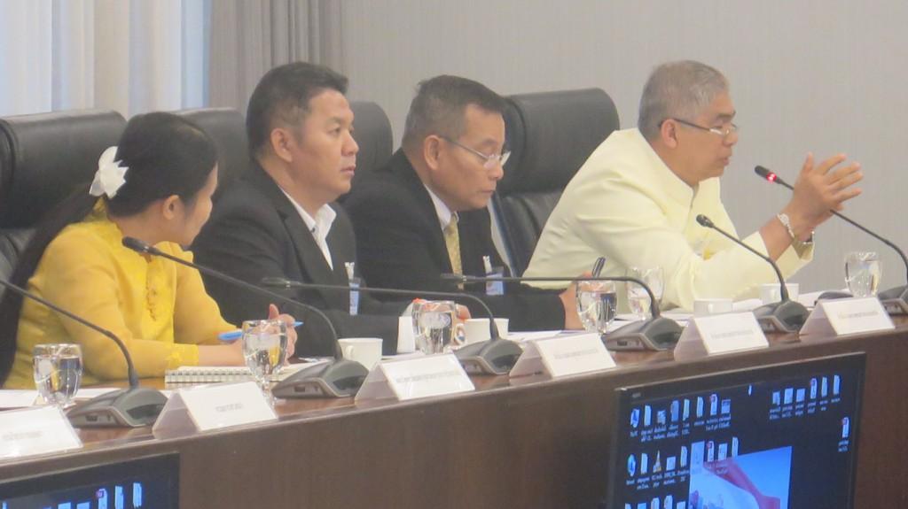 620109 รอง กต นายสุวพันธ์ ประชุมคณะกรรมการรับมอบหน่อต้นพระศรีมหาโพธิ์ ทำเนียบรัฐบาล 6